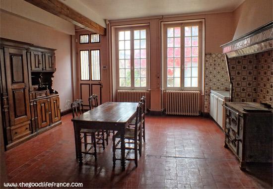 renoir-kitchen-table