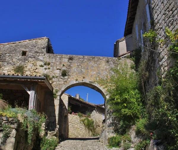 castelmoron-d'albret-smallest-commune-in-france