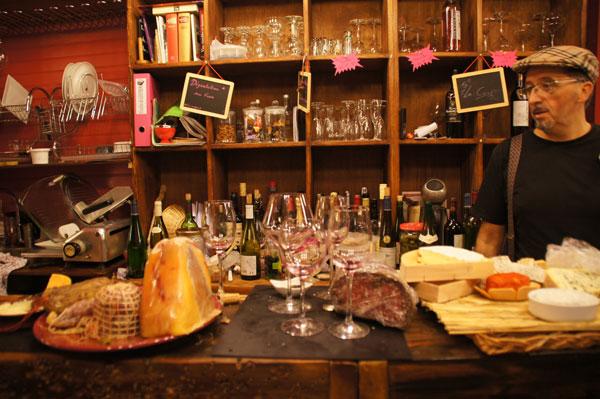 robert-pink-food-tour-paris
