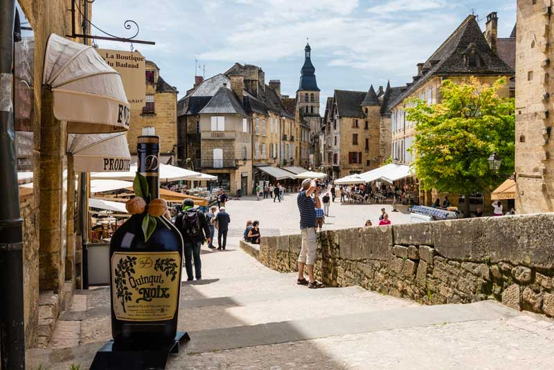 View over main square of Sarlat, Dordogne, ancient buildings, cobbled streets