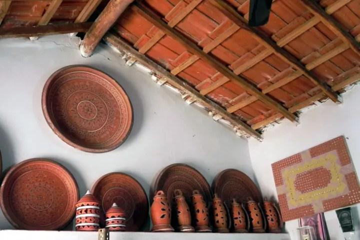 Gujarat_Bhuj_PottersHouse - The colours of Kutch
