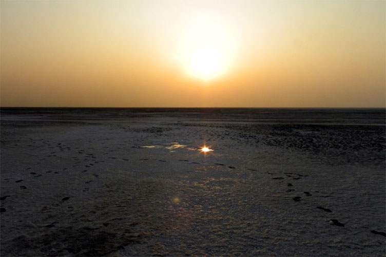 Gujarat_GreatRann_SunsetReflection - The colours of Kutch