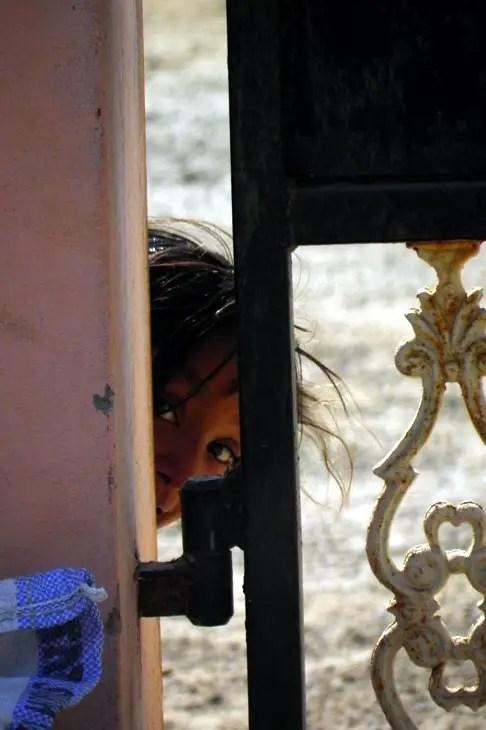 Gujarat_Ratnal_Peekaboo - The colours of Kutch