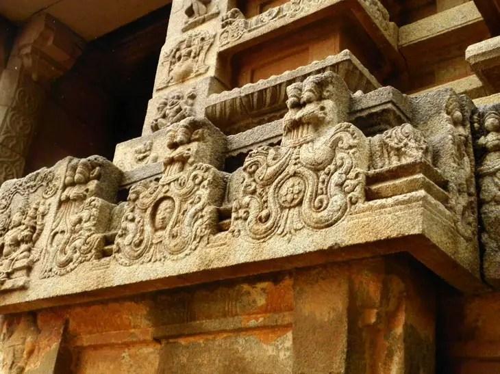 Hampi_VishnuTemple_Lions - Magical sights of Hampi
