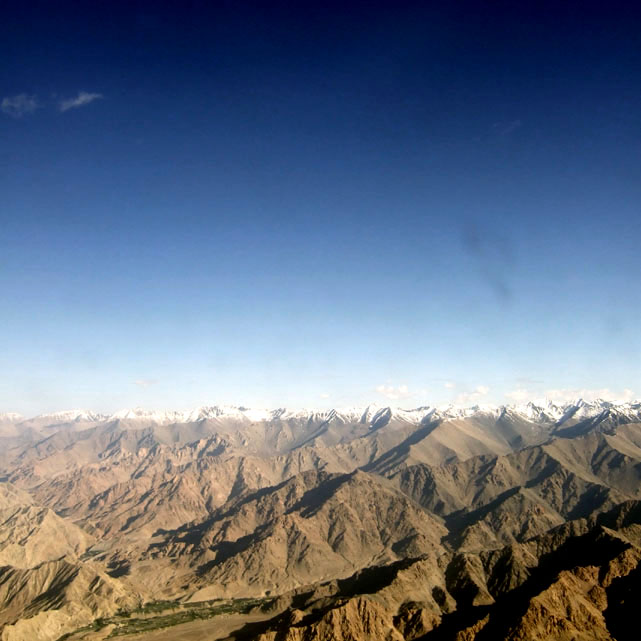 Leh - Himalayas from plane 2 - Eight things we learned in Ladakh
