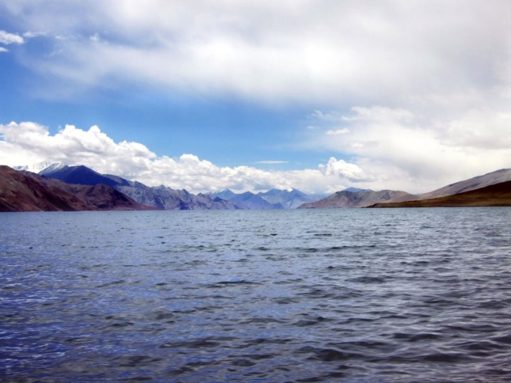 Leh - Pangong Tso view into China - Eight things we learned in Ladakh