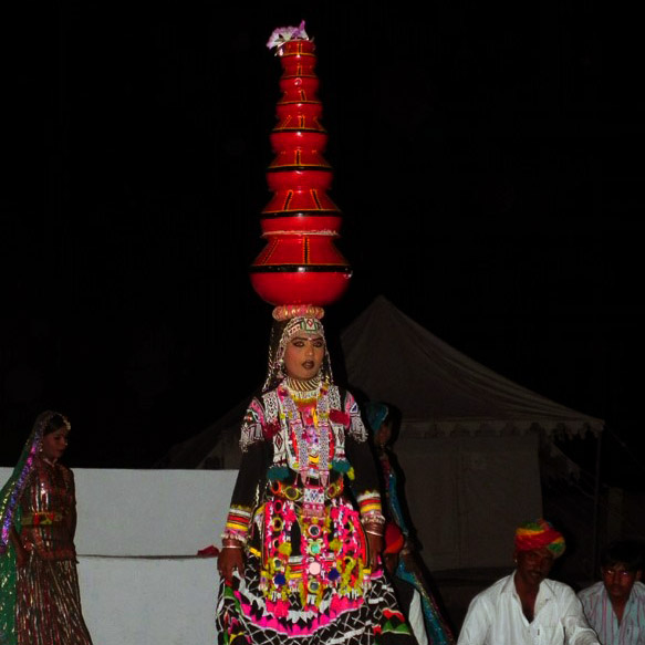 Jaisalmer - Pot dancer - Rajasthan