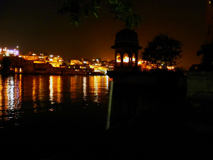 Udaipur - Lake at night
