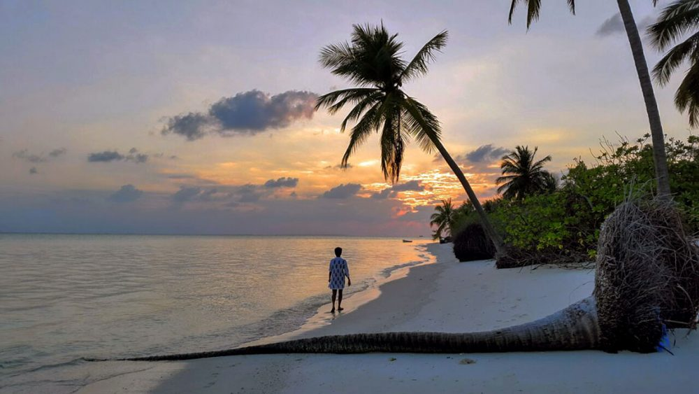Thinnakara at sunset - How to plan your Lakshadweep trip