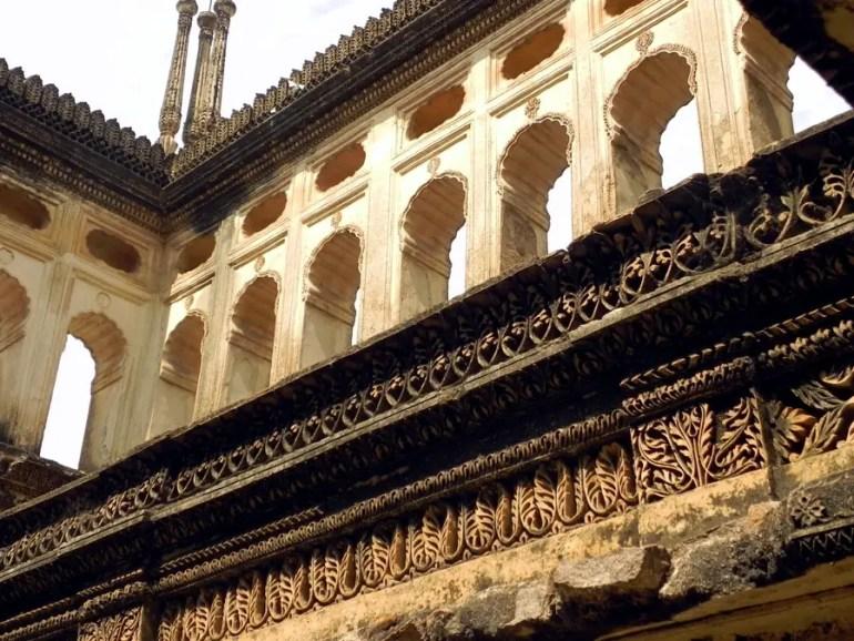 Paigah Tombs - Open enclosure