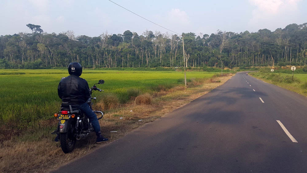 Motorcycle sightseeing in Coorg, India - responsible traveller