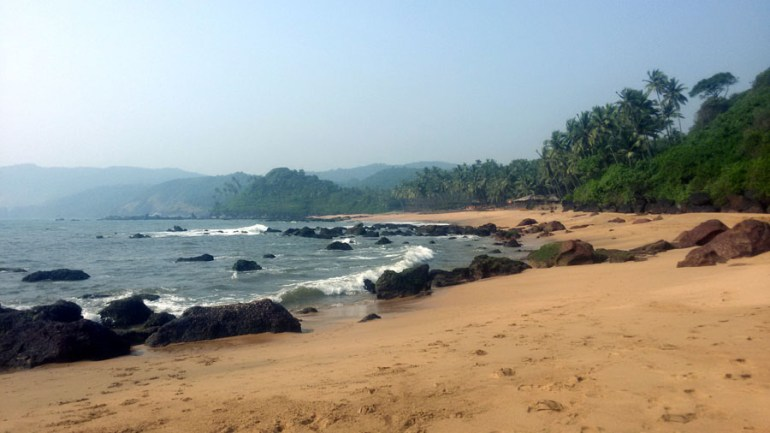 Agonda - nearby beaches -Cola rocks - perfect base for a Goa trip