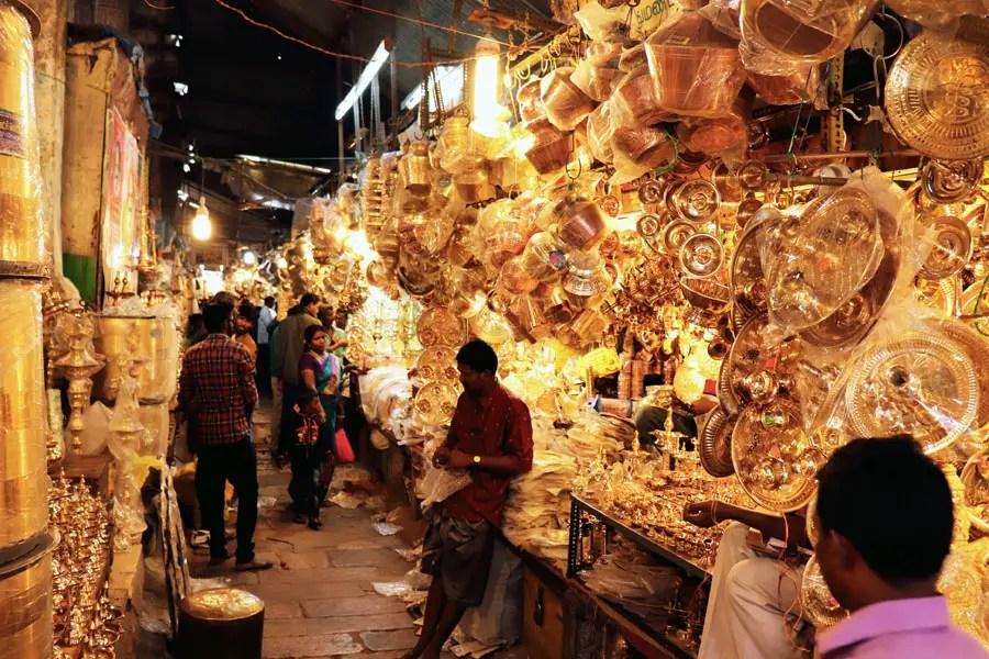 Madurai - Pudumandapa brass shops - Temples of Madurai and Thanjavur