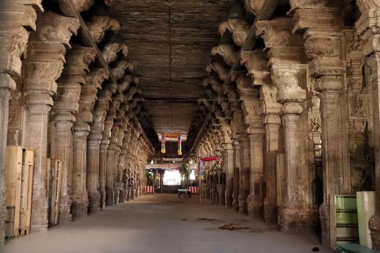 Carved pillars in the Pudhumandapa, Meenakshi temple, Madurai, India - top 10 posts