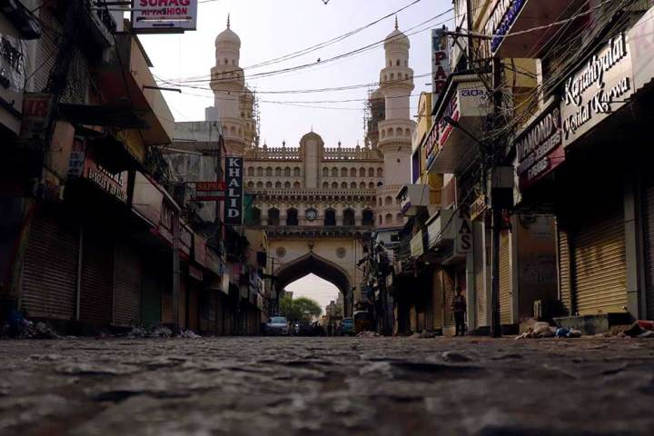 Empty Laad Bazaar in the morning - the best time to visit Charminar