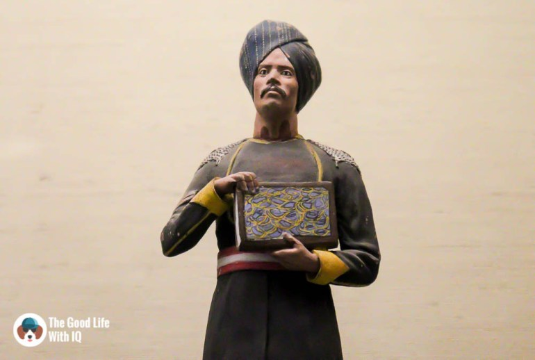 Indian courtier figurine - Things to do on the weekend in Hyderabad: The chaotic but interesting Salar Jung Museum