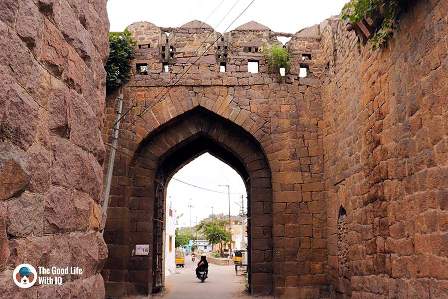 Jamali darwaza - Things to do on the weekend in Hyderabad: The outer ramparts of Golconda Fort