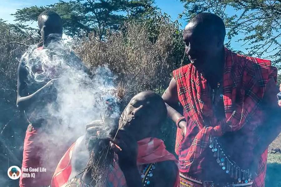 Kenya safari - Masai Mara - MAsai making fire