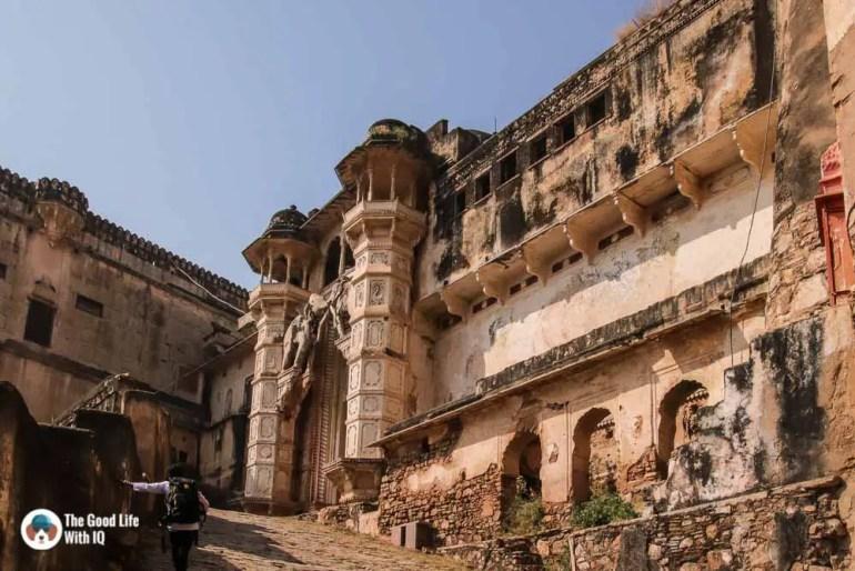 Path to entrance, Garh Palace, Bundi