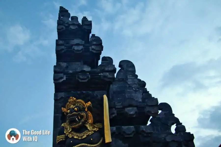 Tanah Lot guardian, Bali