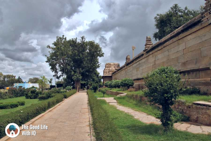 Veerabhadra temple entrance  - Day trip to Lepakshi