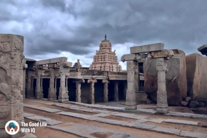 Kalyana mantapa - Day trip to Lepakshi
