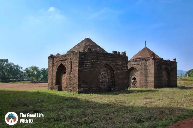 minor tombs - bidar