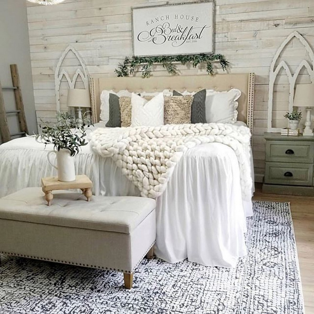 Coastal Bedroom Ideas Elements Of Coastal Decorating Style The Good Luck Duck