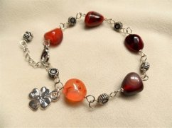 Clover and Carnelian bracelet for ambition and luck