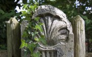 Scallop shell symbol of El Camino