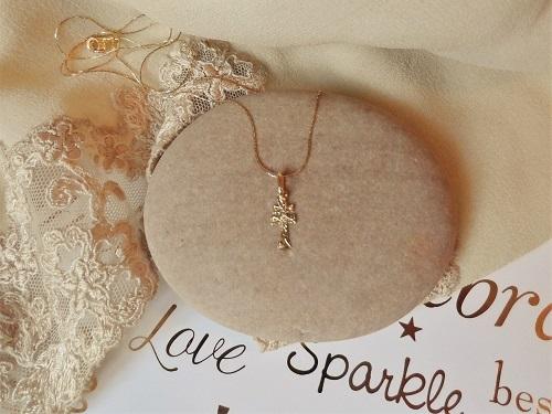 Caravaca Cross necklace in Gold
