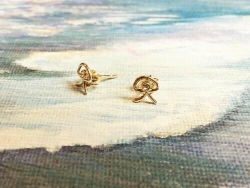 Indalo stud earrings for wellness