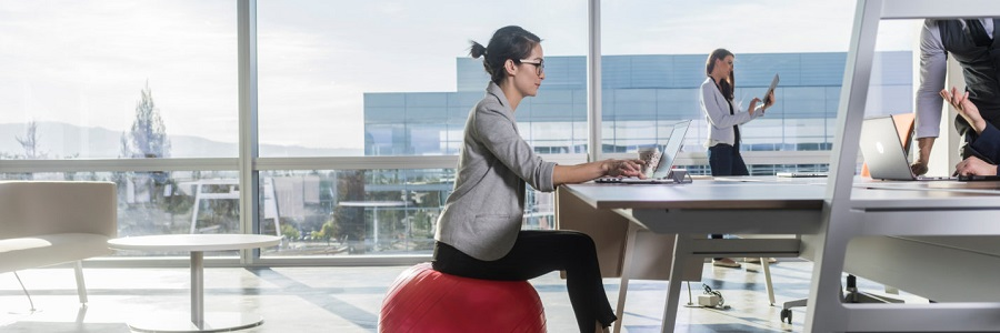 easy ways to deskercise at work