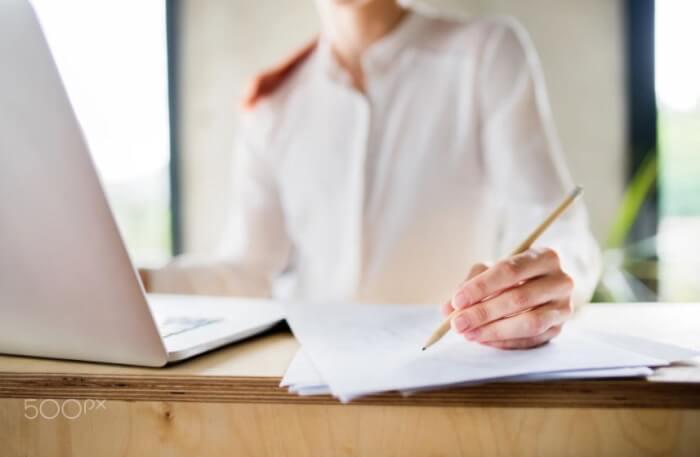 7 Contoh Surat Lamaran Kerja Yang Menarik Untuk Fresh Graduate