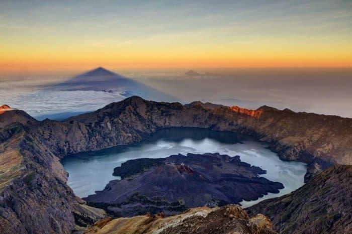 Gambar Pemandangan - Gunung Rinjani Lombok
