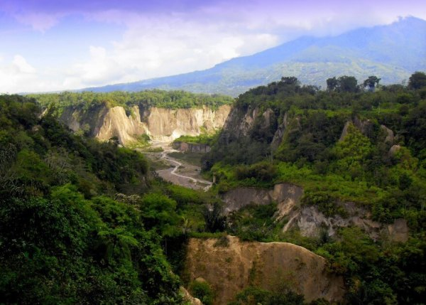 Gambar Pemandangan - Ngarai Sianok Bukittinggi