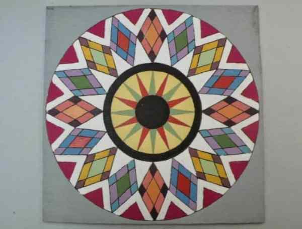 Motif Geometris Kompas Lingkaran