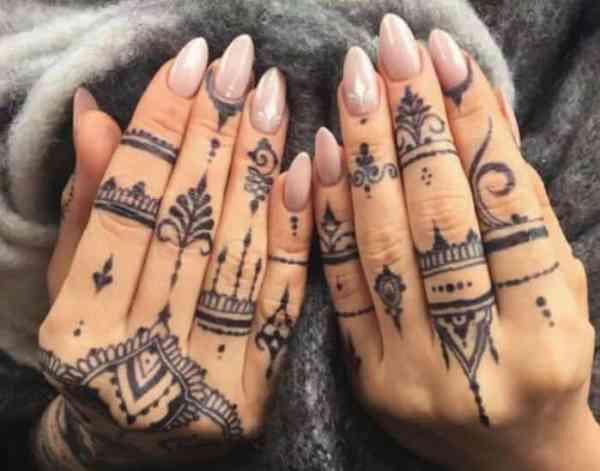 Motif Henna Warna Hitam
