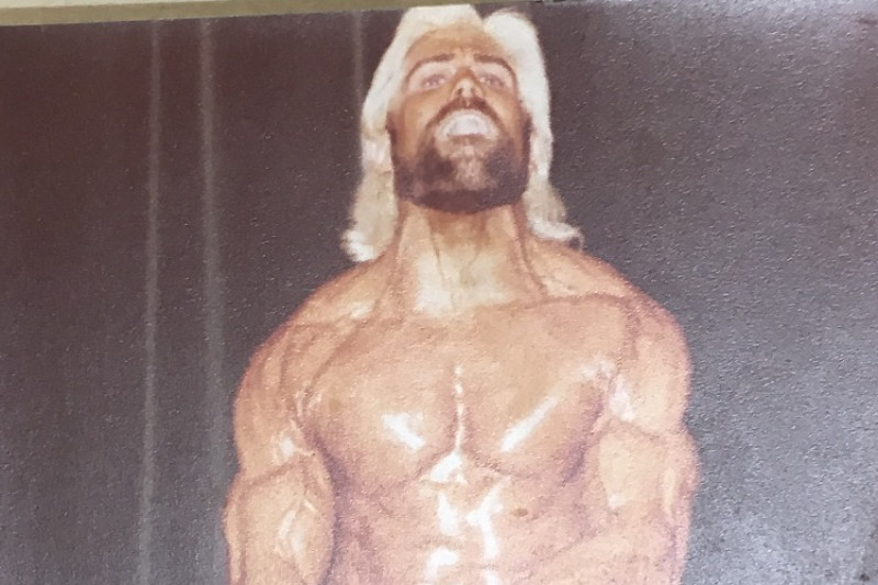 Rip in body building competition