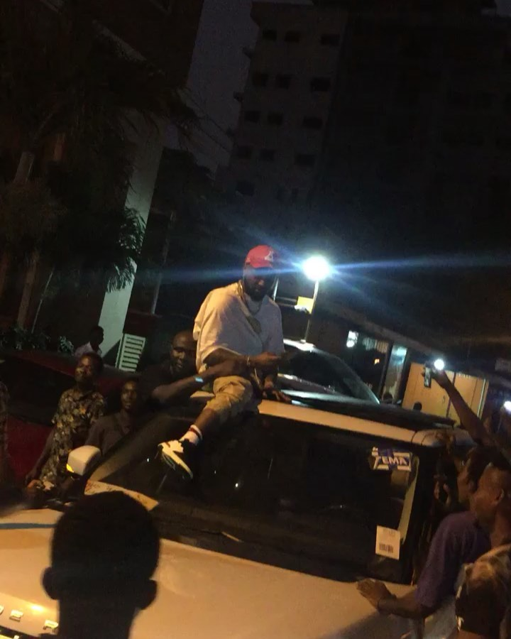 Davido Got Furious After His $30,000 Wristwatch Was Snatched At A Nightclub In Osu