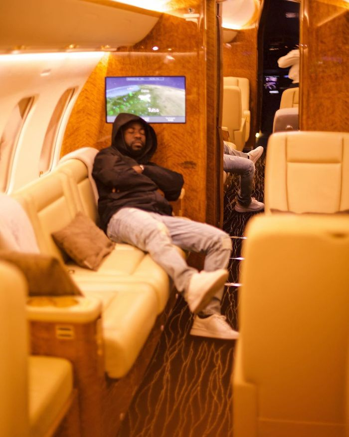 Bisa K'dei Strikes A Pose In A Private Jet & Claims He Travelled With It To Miami
