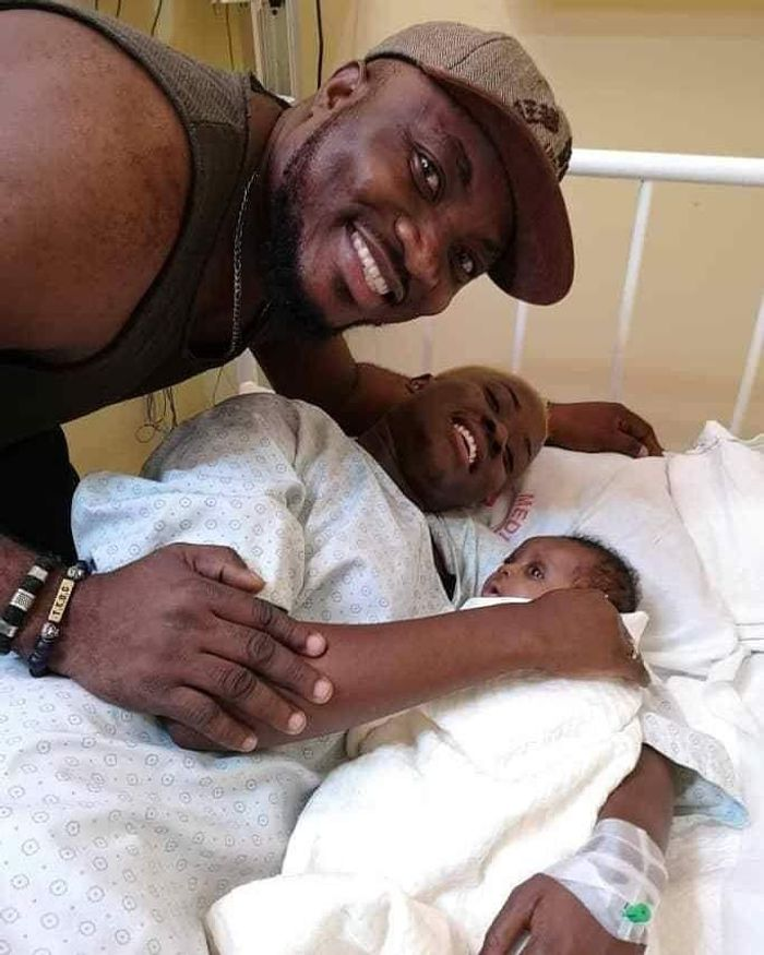 PRANK or REAL? Drama Queen, Fella Makafui, Mysteriously Gives Birth A Few Hours After Getting Married To Medikal