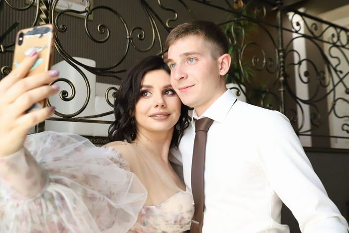VIDEO: Another Entanglement Drama As 35-year-old Russian Social Media Influencer Marries 20-year-old Stepson