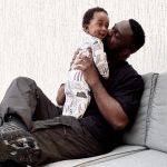 PHOTO: Sarkodie Shows The Face Of His Newborn Son For The First Time And He's So Cute