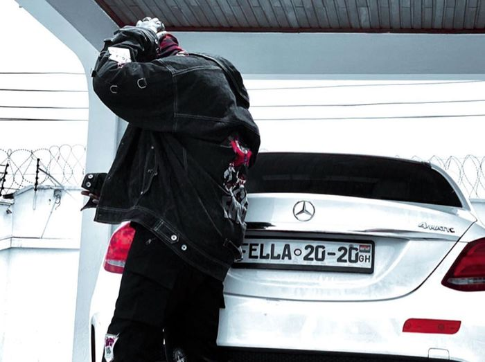 Medikal Descends On The Brokes Who Attack The Rich For Flaunting Their Asset