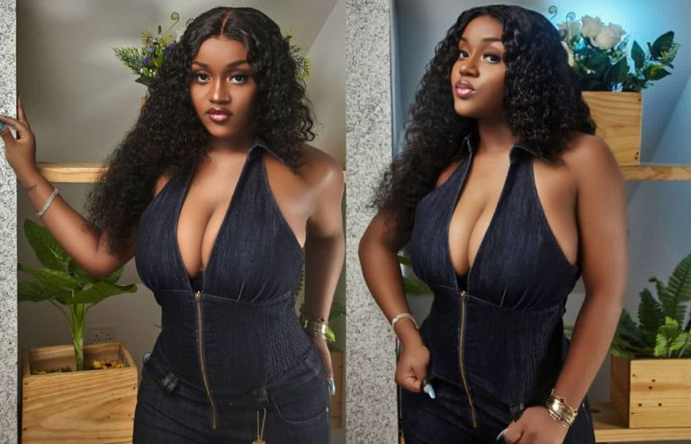 PHOTOS: Davido's Baby Mama, Chioma, Puts Her Front Goodies On Display