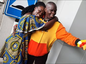 PHOTOS: Excited Tima Kumkum Reunites With Her Father After 20 Years Apart