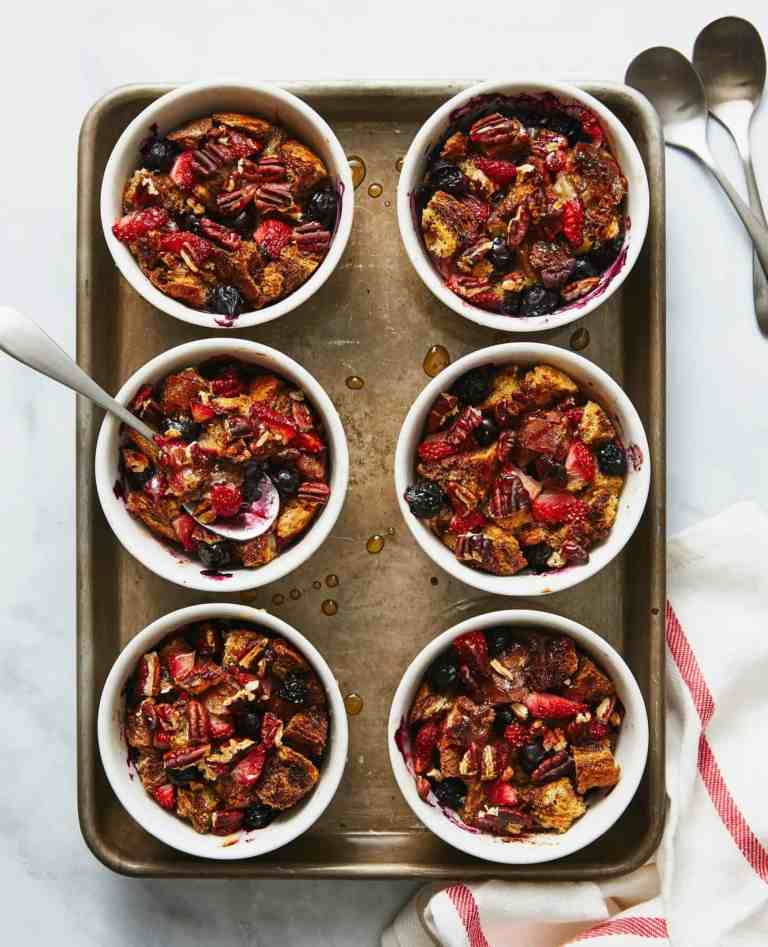 Berry bread puddings in white cups