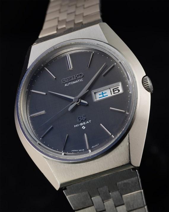 5646-8000 grey dial