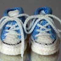 Converse Style Crochet Baby Bootees